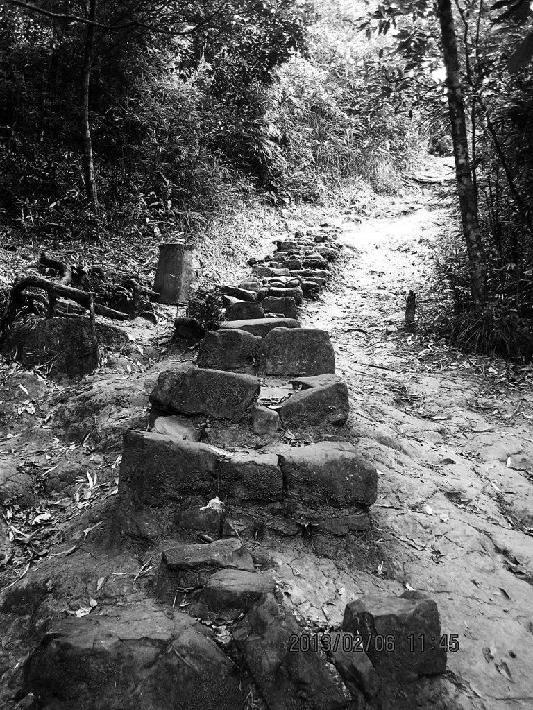 Bậc thang đá Yên Tử