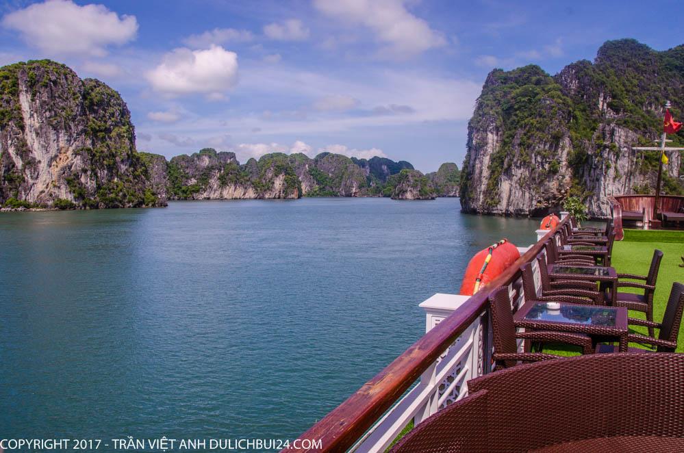 Du thuyền vịnh Hạ Long