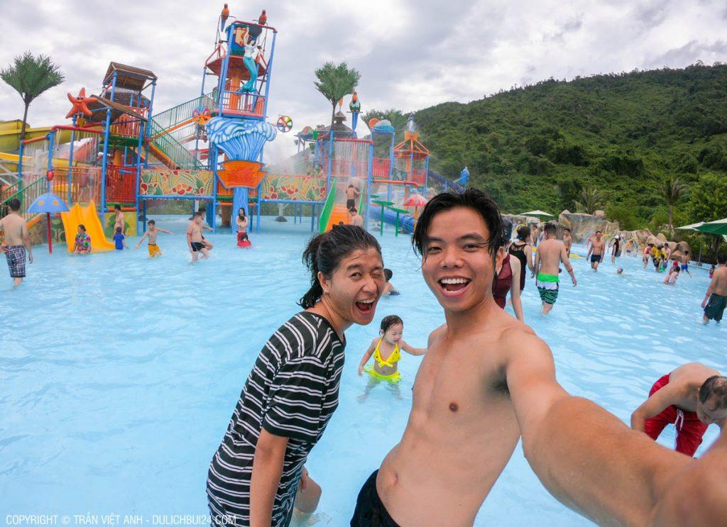 Chơi công viên nước ở núi Thần Tài Đà Nẵng