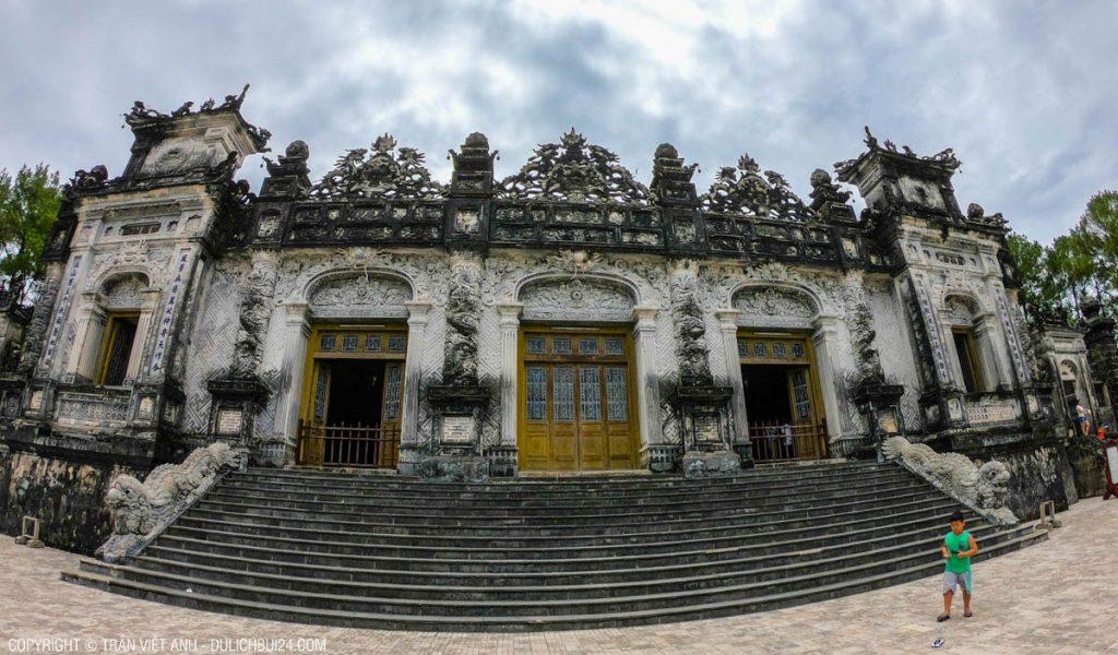 Điện Khải Thành - điểm than quan trong tour huế 1 ngày từ đà nẵng