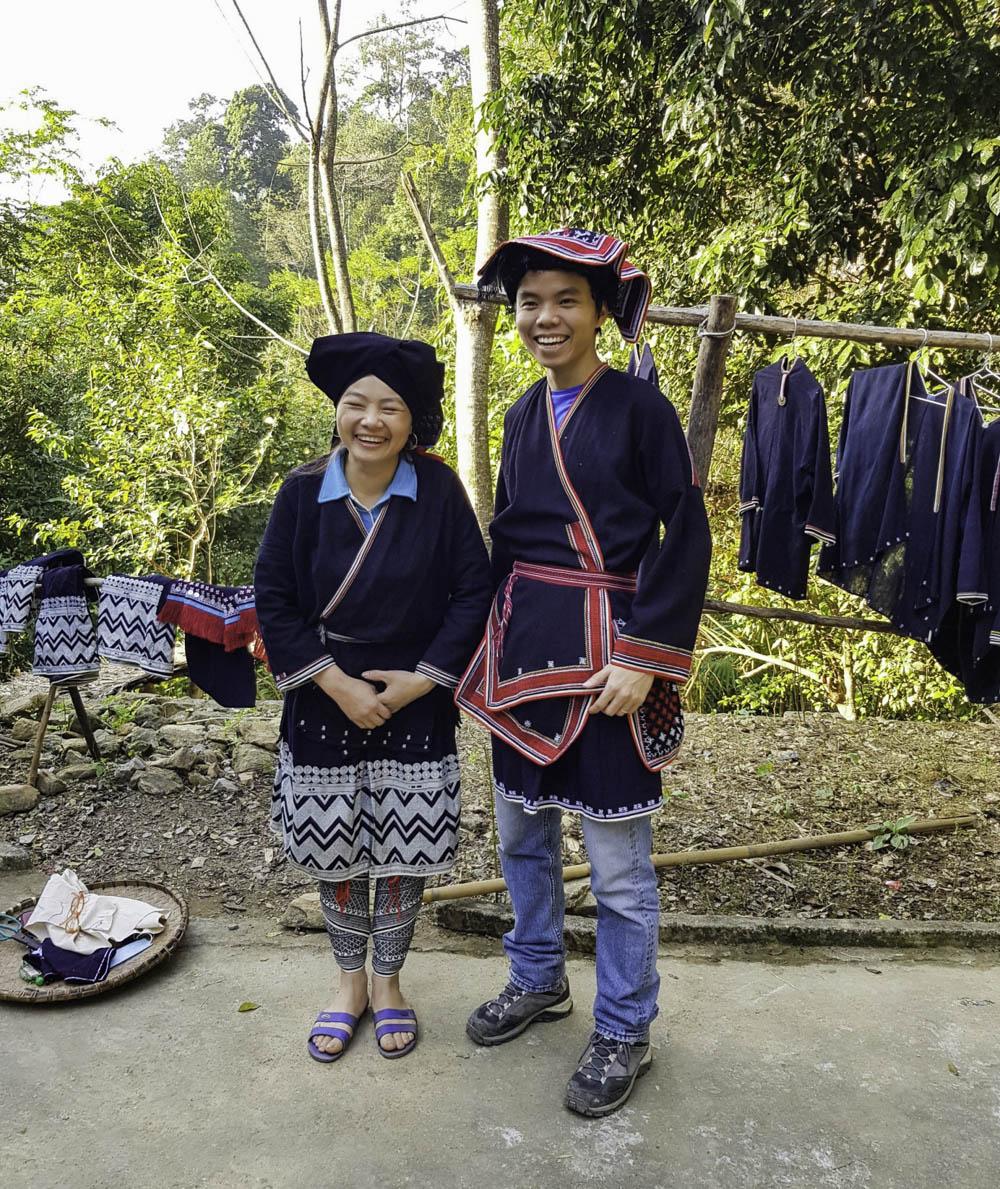 trang phục truyền thống người Dao Tiền ở bản Sưng, Đà Bắc, Hòa Bình