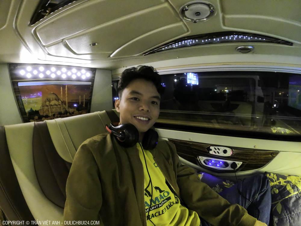 Xe bus cung điện - Tour xe máy Hà Giang
